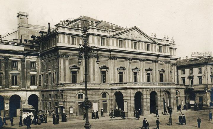 Postal-Milan-Scala
