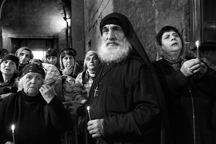 Misa-en-la-Catedral-de-Svetitskhoveli_Mtskheta_Georgia_2013