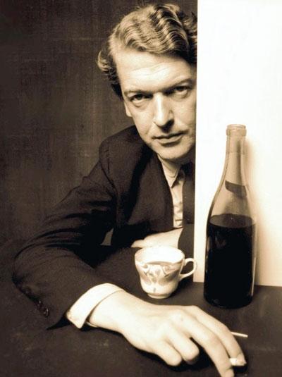 Kingsley Amis (1922-1995), fino estilista y bebedor impenitente