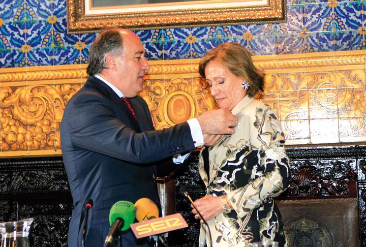 José Ignacio Landaluce, alcalde de Algeciras, y Consuelo García Piriz