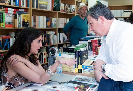 Espido Freire con José Luis Ferris. © Luis Serrano